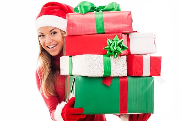크리스마스 선물을 가진 여자 무료 사진