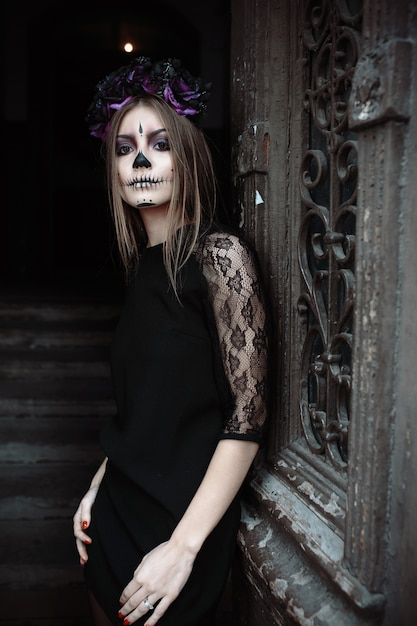 Premium Photo Woman With Scary Face Paint