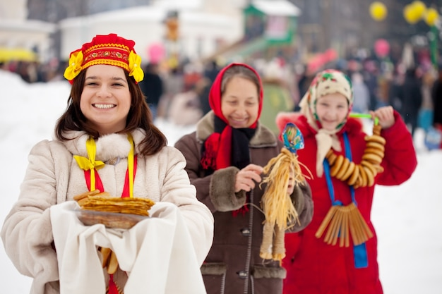 Women celebrating  maslenitsa festival Free Photo