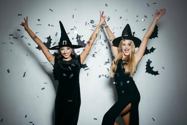 Women on halloween party Free Photo