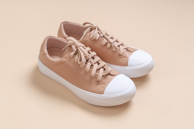 Women leather sneakers shoes Premium Photo