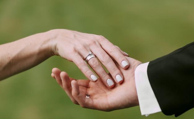 Women S And Men S Hands Wedding Rings Photo Premium Download