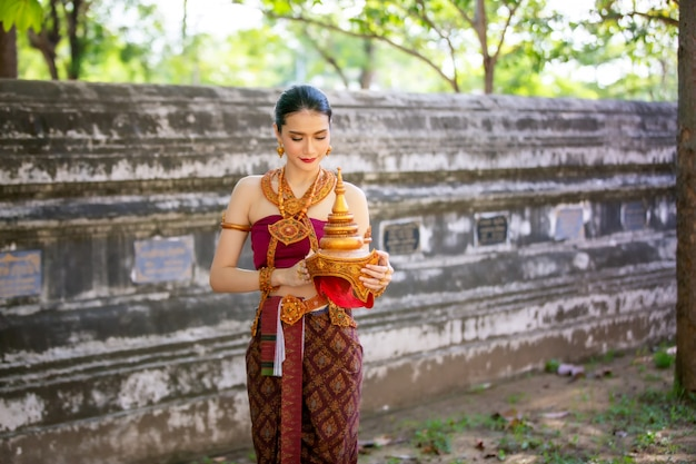Women in thailand traditional costume Premium Photo