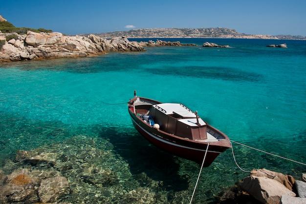 スパージの素晴らしい海水 Premium写真