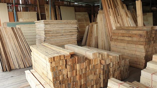 Wood construction store warehouse material carpenter Premium Photo