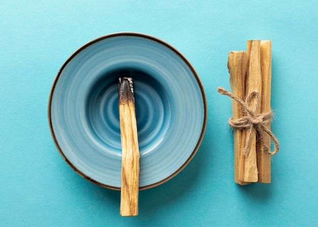 Wooden aromatic sticks tied with a rope Premium Photo