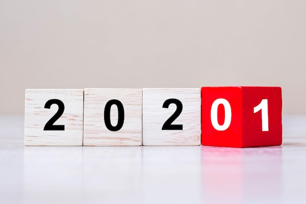 Wooden cube blocks with 2020 change to 2021 Premium Photo