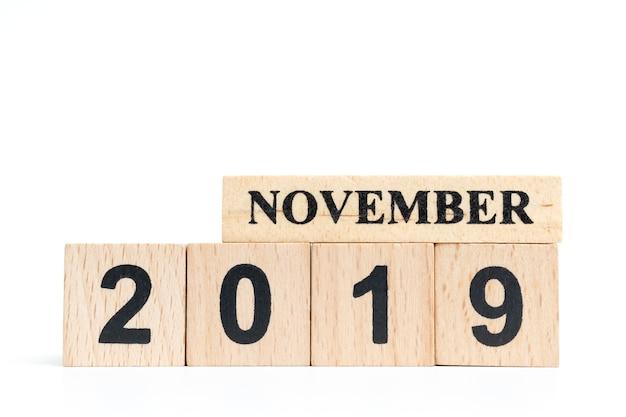 Wooden cube calendar ( november ) 2019 Premium Photo