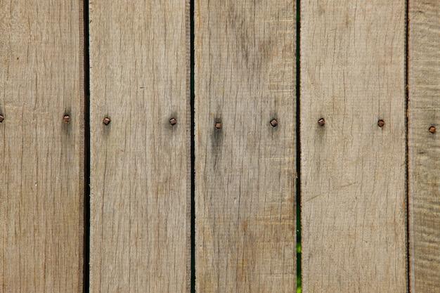 Staccionata in legno con chiodi Foto Gratuite