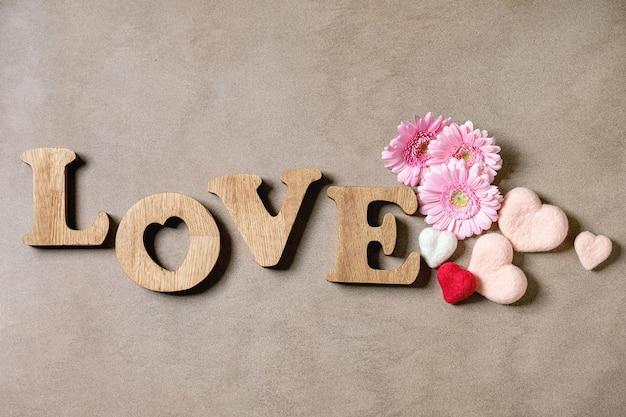 Wooden letters love Premium Photo