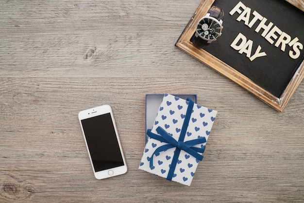 Cell Phone as A Gift for Father's Day