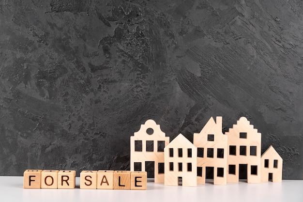 Деревянная модель городского города на продажу Бесплатные Фотографии