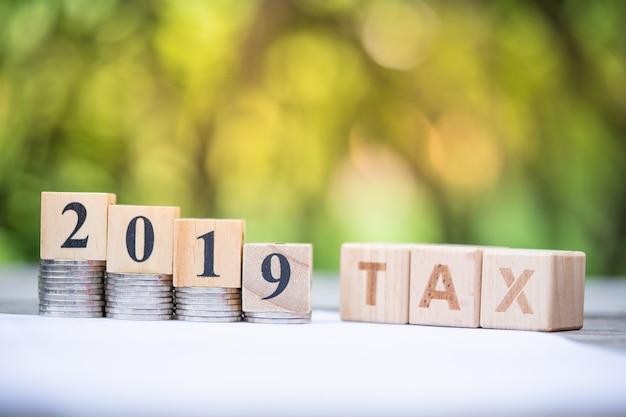Word block tax 2019 Premium Photo