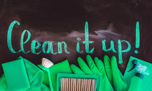 The words clean it up Premium Photo