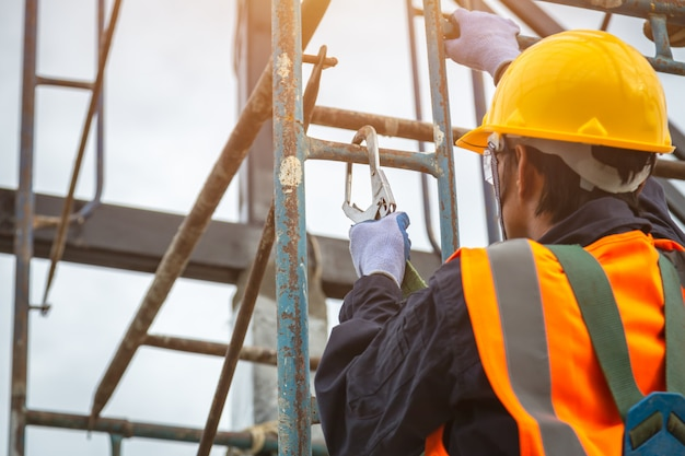 toolbox talks fall protection