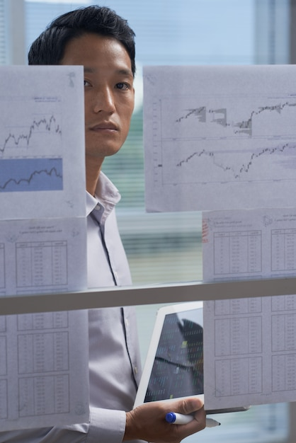 Working with financial reports Free Photo