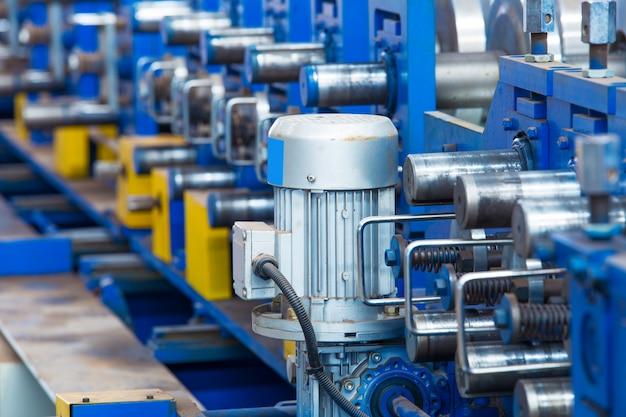 Workshop,large steel processing plant Premium Photo