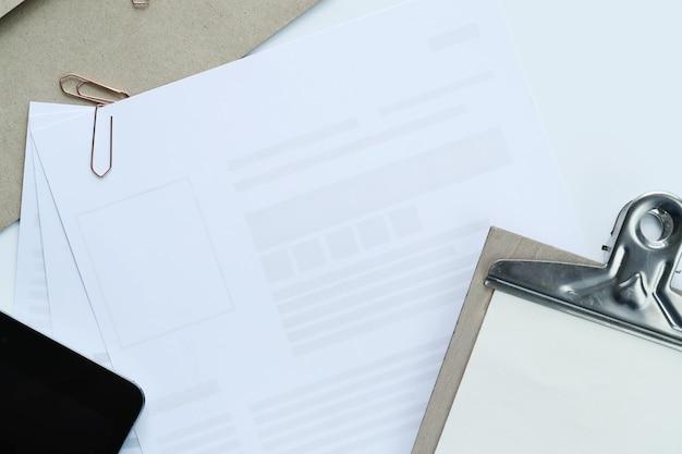 ワークスペース。職場とオフィスのテーブル 無料写真