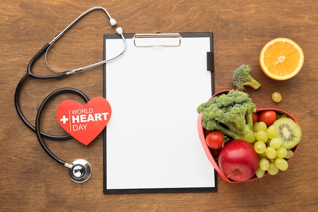 Всемирный день сердца концепция со здоровой пищей Бесплатные Фотографии