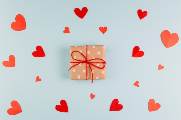 Wrapped gift for valentine's day Free Photo