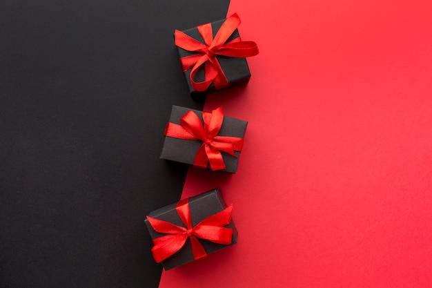Assortimento di regali avvolti con copia spazio Foto Gratuite