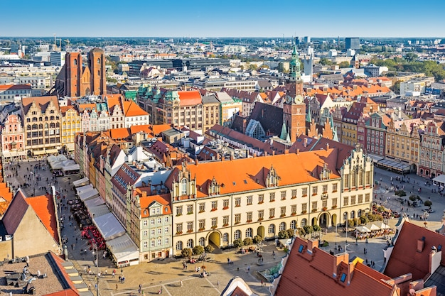 Wroclaw with rynek and city hall, wroclaw, poland Premium Photo