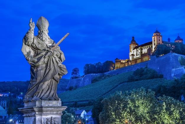 Würzburg, fortezza marienberg - festung marienberg, baviera, germania Foto Gratuite