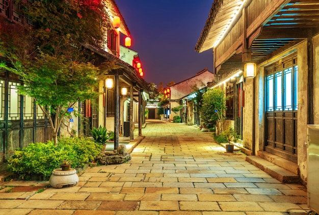 Исторический живописный старый город wuzhen, китай Premium Фотографии