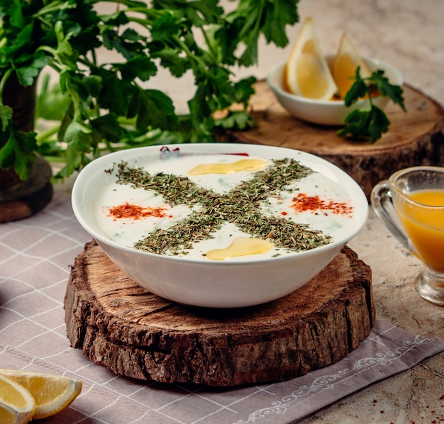 Yayla soup on the table Free Photo