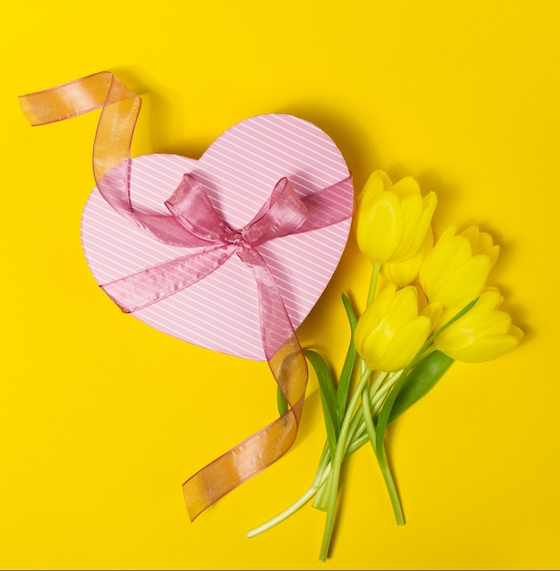 yellow spring bunch romance ribbon Free Photo