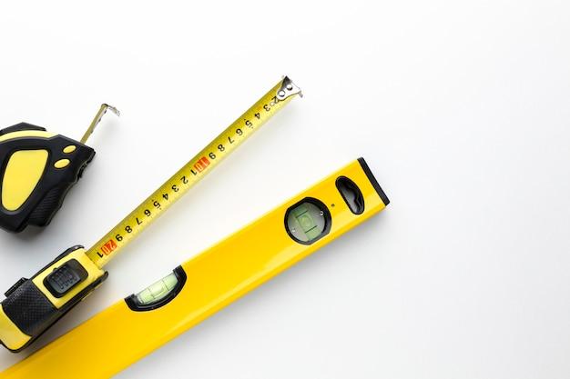 Желтые инструменты с копией пространства Бесплатные Фотографии