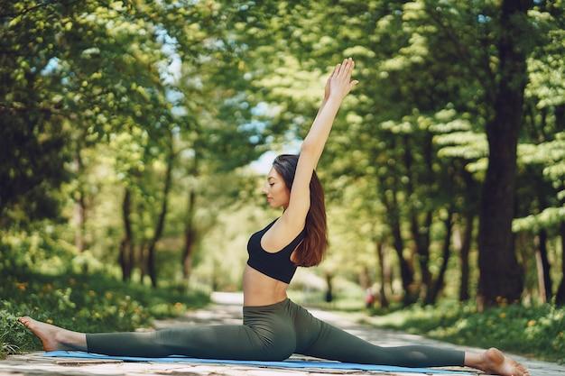 Yoga girl Photo | Free Download