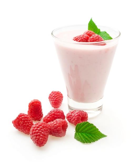 Yogurt with raspberries Premium Photo