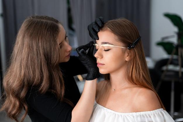 Девушка модель работы специалиста работа видео моделью