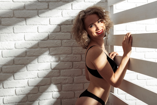Young beautiful girl naked Premium Photo