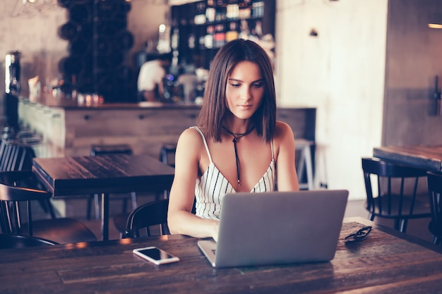 7 Secrets: How To Work From Home Successfully