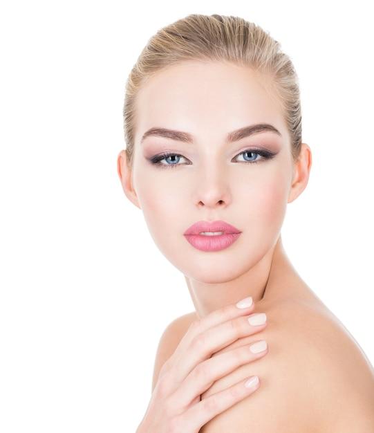 건강 얼굴 젊은 아름 다운 여자 무료 사진