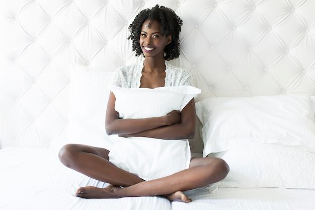 африканец лучше в постели важный, завернутый
