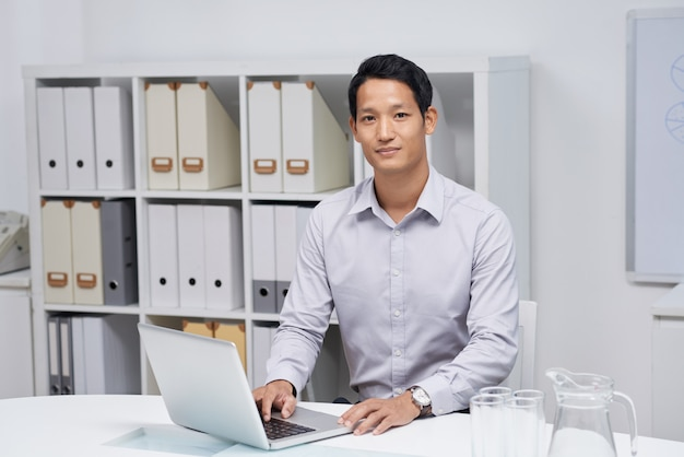 Young businessman Free Photo