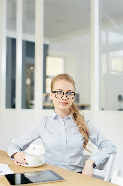 Young businesswoman Free Photo