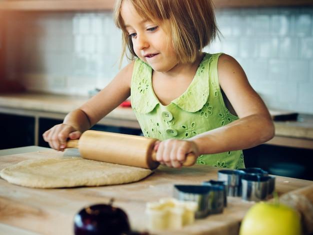 Young caucasian baker Premium Photo