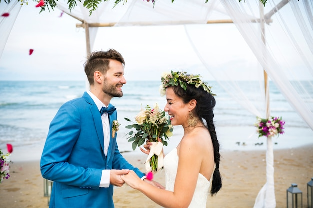 Young caucasian couple s wedding day Premium Photo
