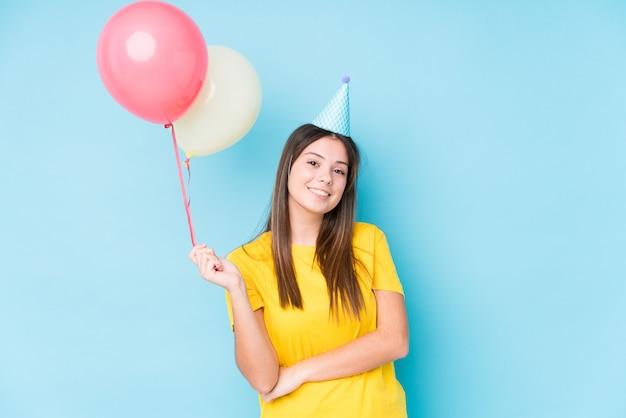Young caucasian woman organizing a birthday Premium Photo