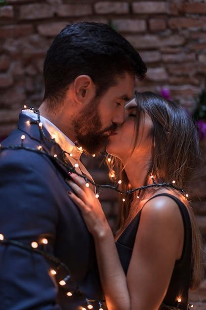 Garland dating dating erityistarpeita aikuisille