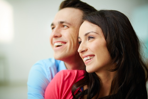 https://image.freepik.com/free-photo/young-couple-smiling-together_1098-2017.jpg