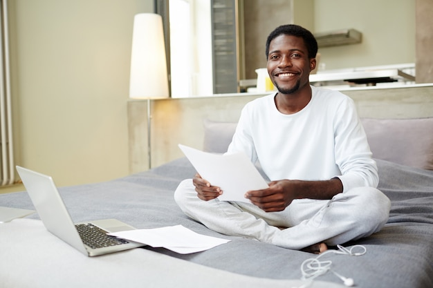 Young entrepreneur working from home Free Photo