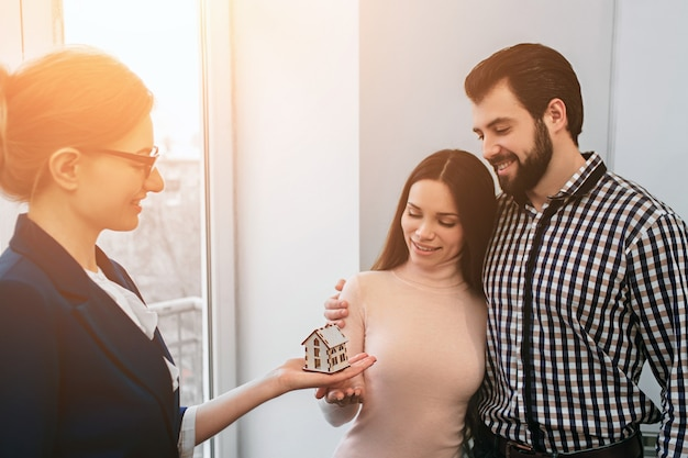 Young family couple purchase rent property real estate Premium Photo