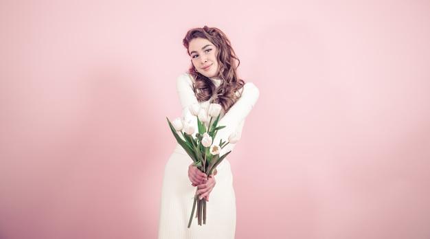 チューリップの少女 Premium写真