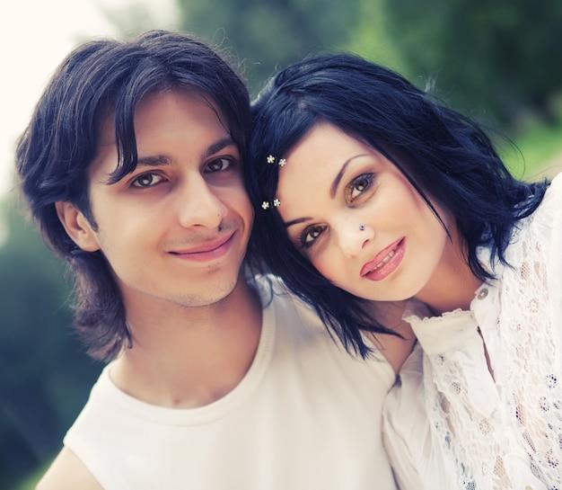 Young happy smiling attractive couple Premium Photo