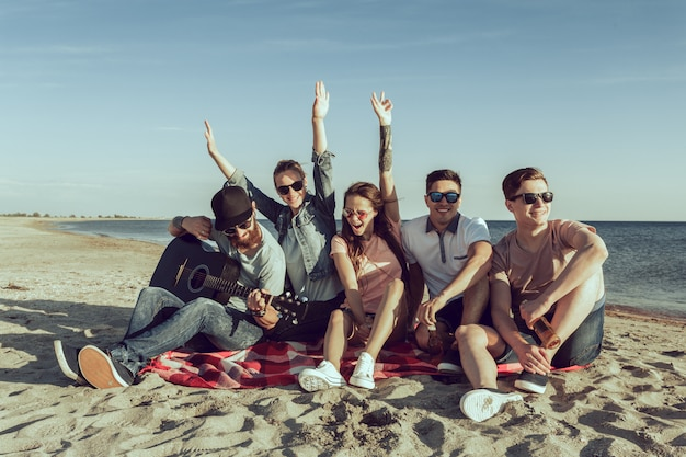 Young hipster people on summer vacation Premium Photo